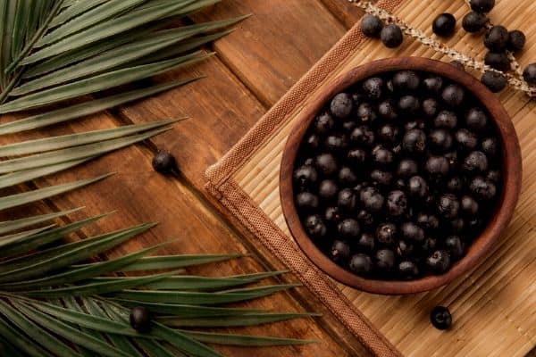 acai berries in bowl